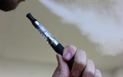 Kurz informiert: Risiken des E-Zigaretten Konsums