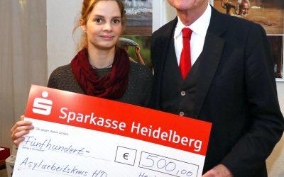 500 Euro Spende an den Asylarbeitskreis Heidelberg