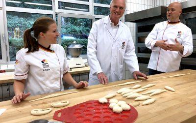 Lothar Binding besucht die Akademie des Deutschen Bäckerhandwerks